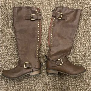 Brown Boots with Red Zipper